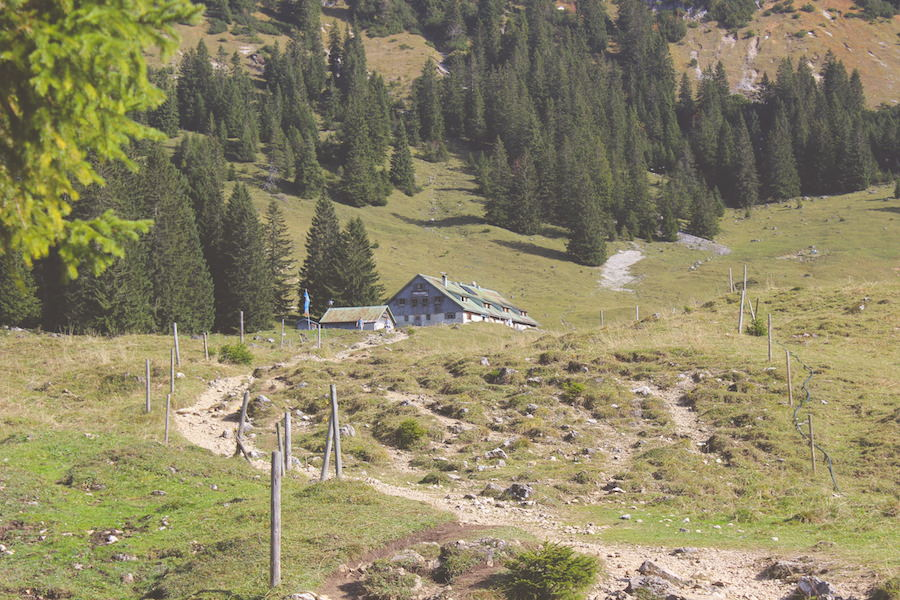 ITB Globetrotter - Hiking To Willers Alp