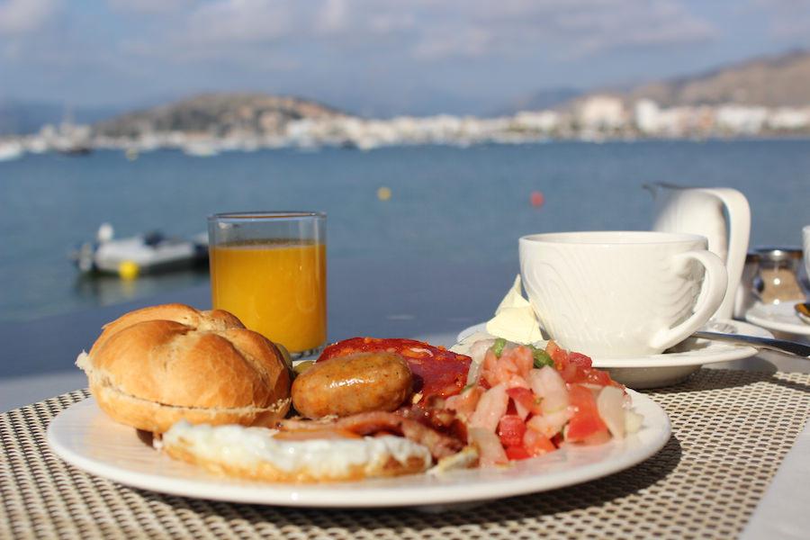 Port de Pollença - Mallorca - Hotel Illa d'Or - Frühstück mit Meerblick