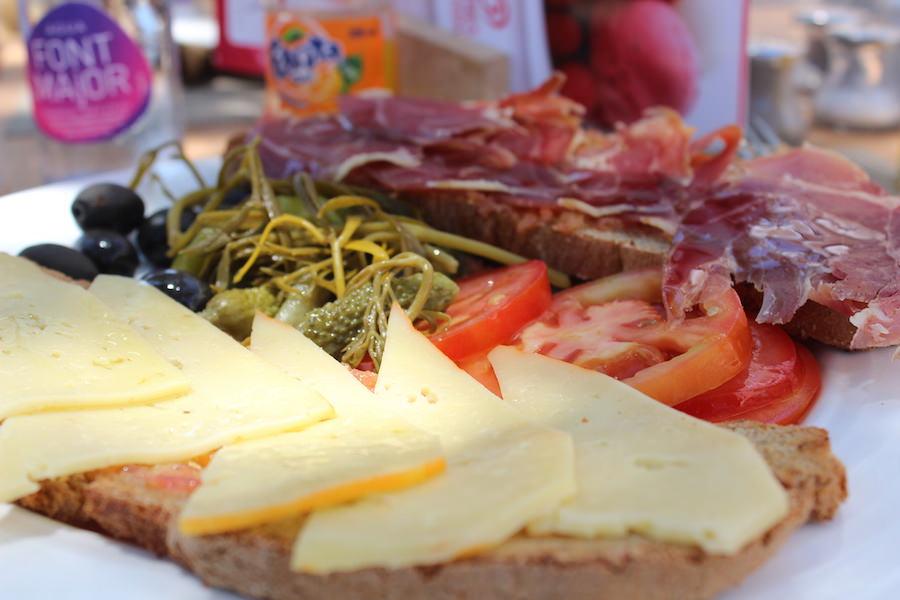 Essen in Port Pollenca auf Mallorca - Hotel Bahia