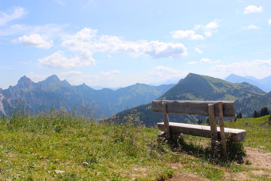 Vom Neunerköpfle zur Sulzspitze in Tirol - Bank