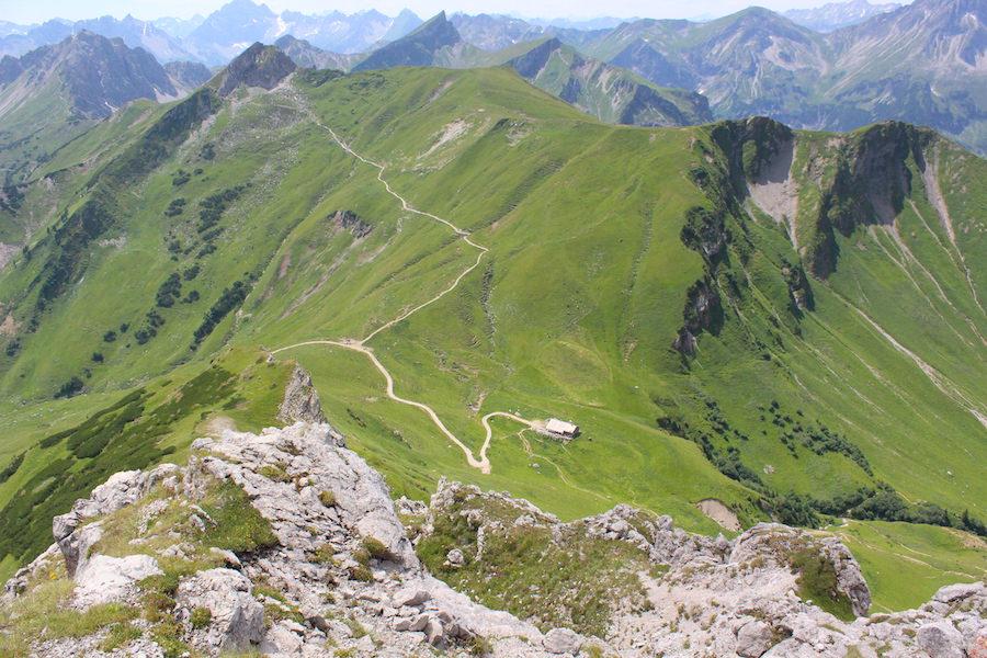 Vom Neunerköpfle zur Sulzspitze in Tirol - Gappenfeldalm von oben