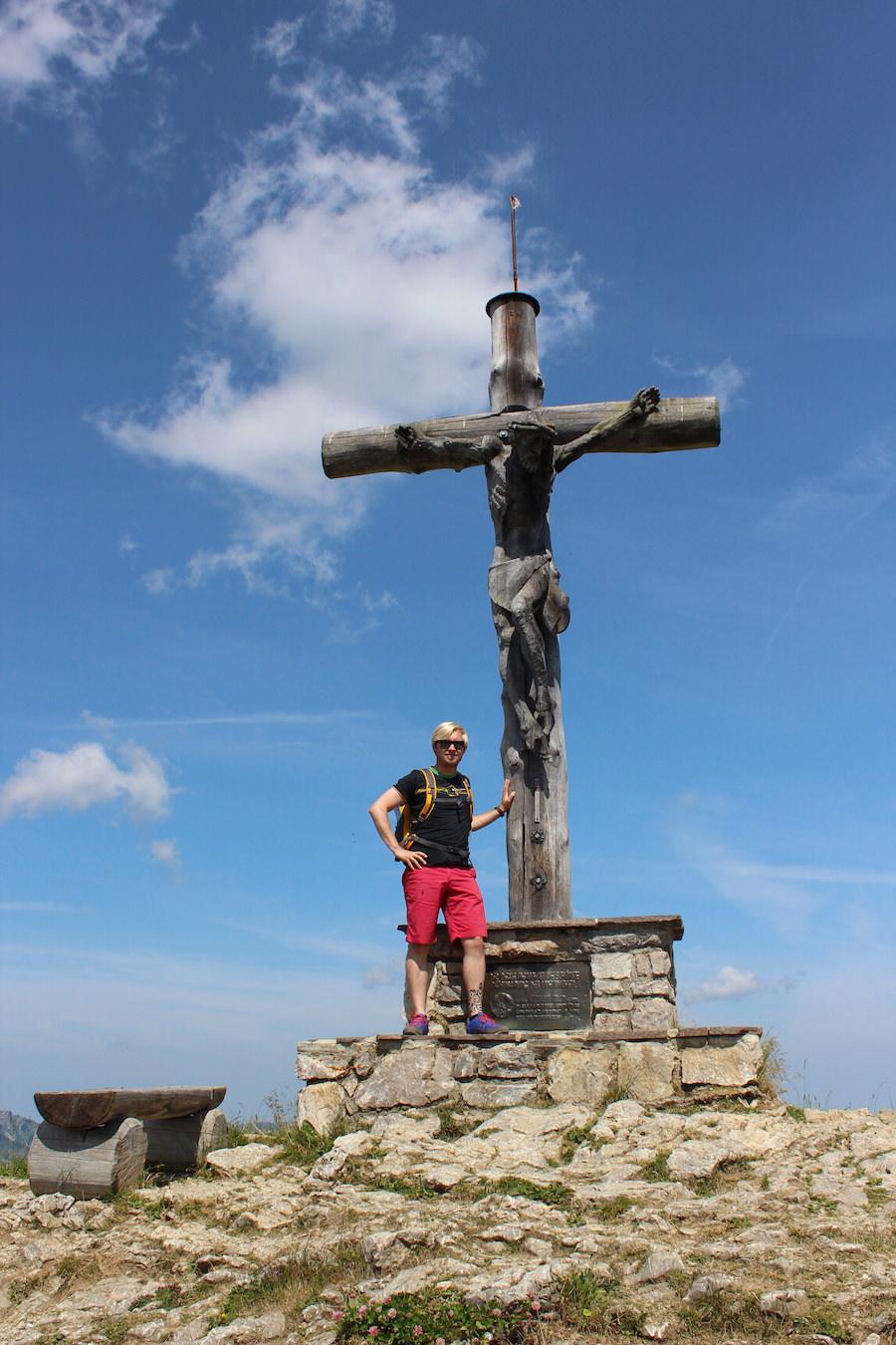 Vom Neunerköpfle zur Sulzspitze in Tirol - Gipfelkreuz Neunerköpfle