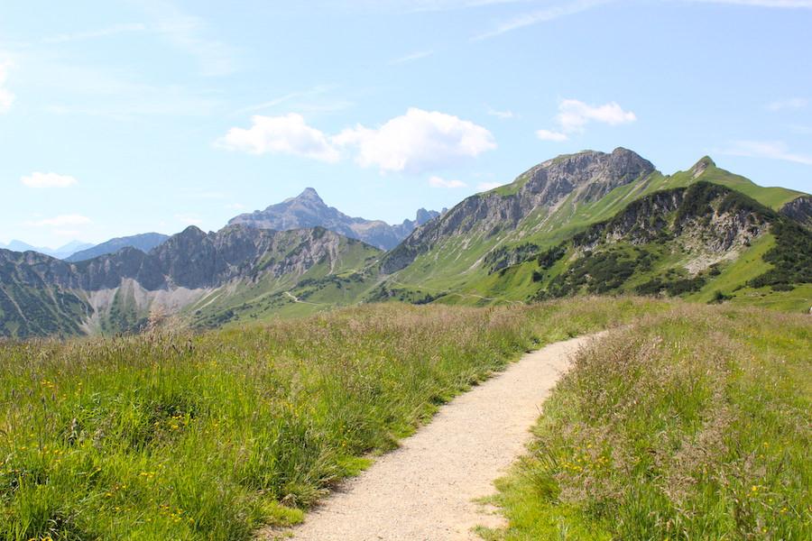 Vom Neunerköpfle zur Sulzspitze in Tirol - Wanderweg