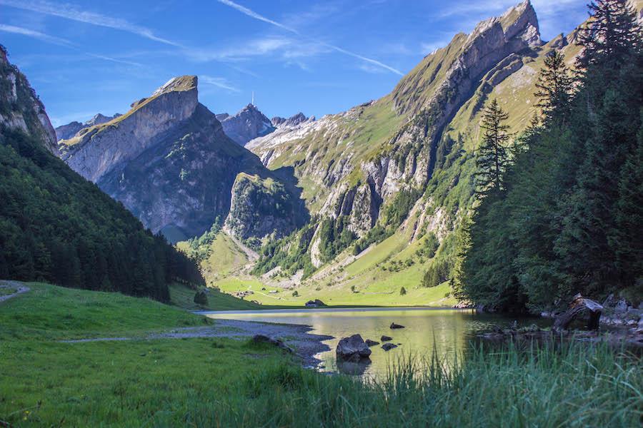 Wandern in den Schweizer Alpen - Alpsee 2