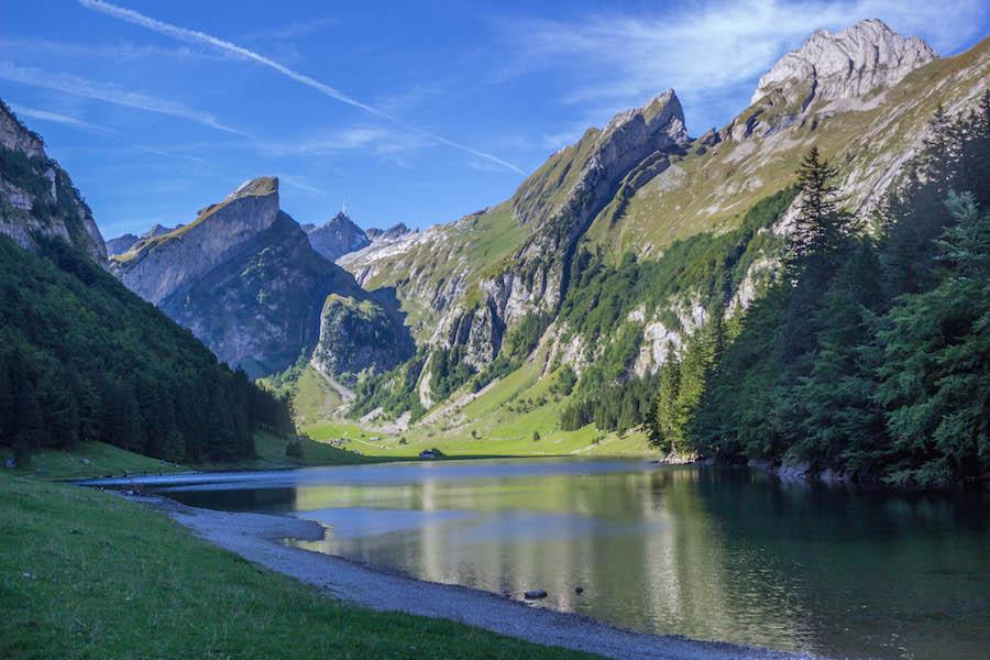 Wandern in den Schweizer Alpen - Alpsee 3
