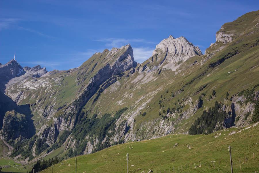 Wandern in den Schweizer Alpen - Berge