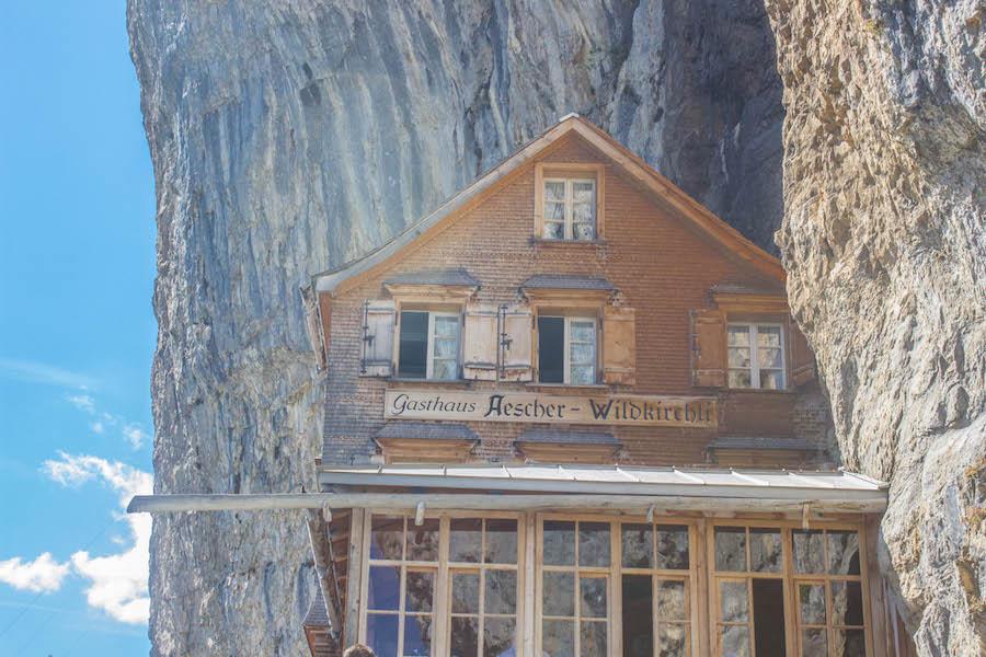 Wandern in den Schweizer Alpen - Gasthaus Aescher nah