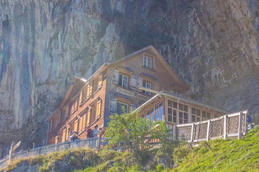 Wandern in den Schweizer Alpen - Hütte Aescher