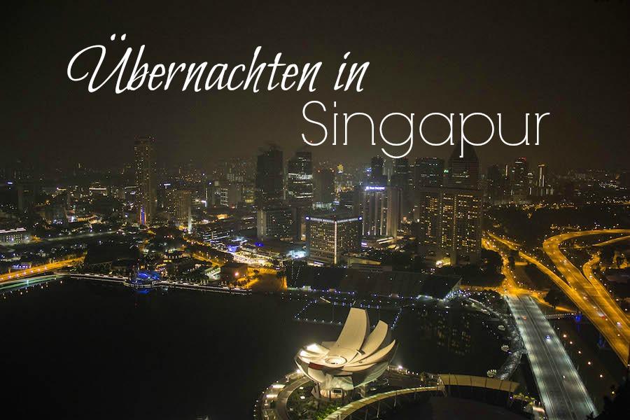 Marina Bay Sands Hotel Singapur Aussicht bei Nacht Titel