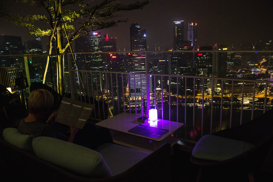 Marina Bay Sands Hotel Singapur Roof Top Bar mit Ausblick