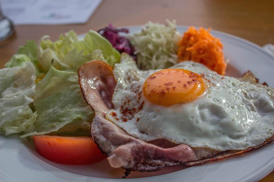 Hoch Haederich Wanderung - Roesti mit Speck und Ei