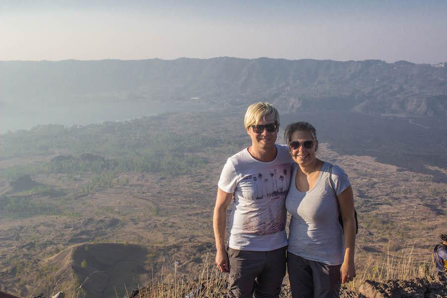 Wanderung Gunung Batur auf Bali - Wir vor der Caldera