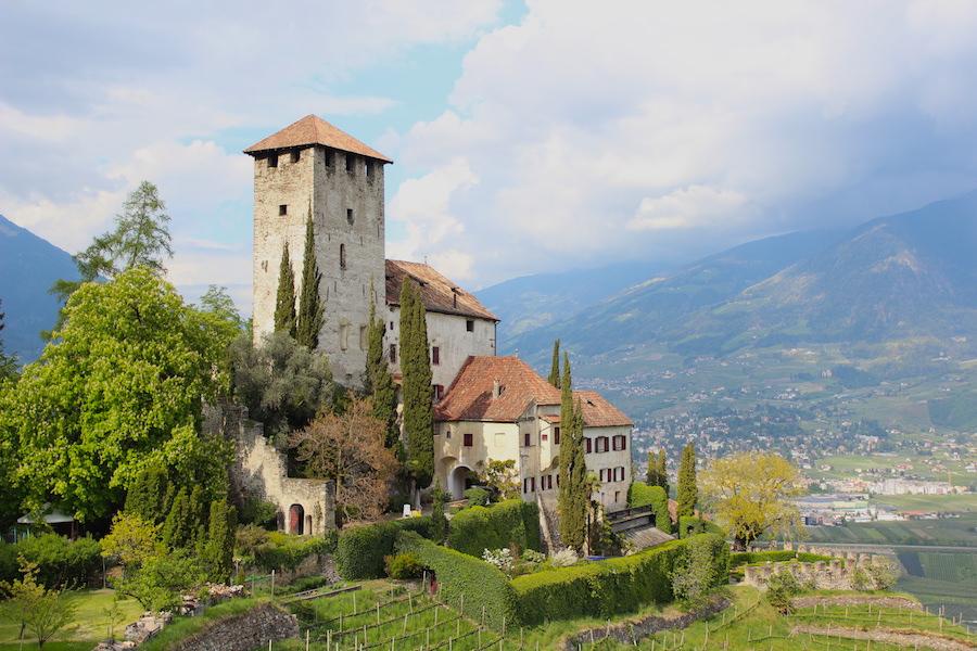 Suedtirol - Marlinger Waalweg - Schloss Lebenberg nah