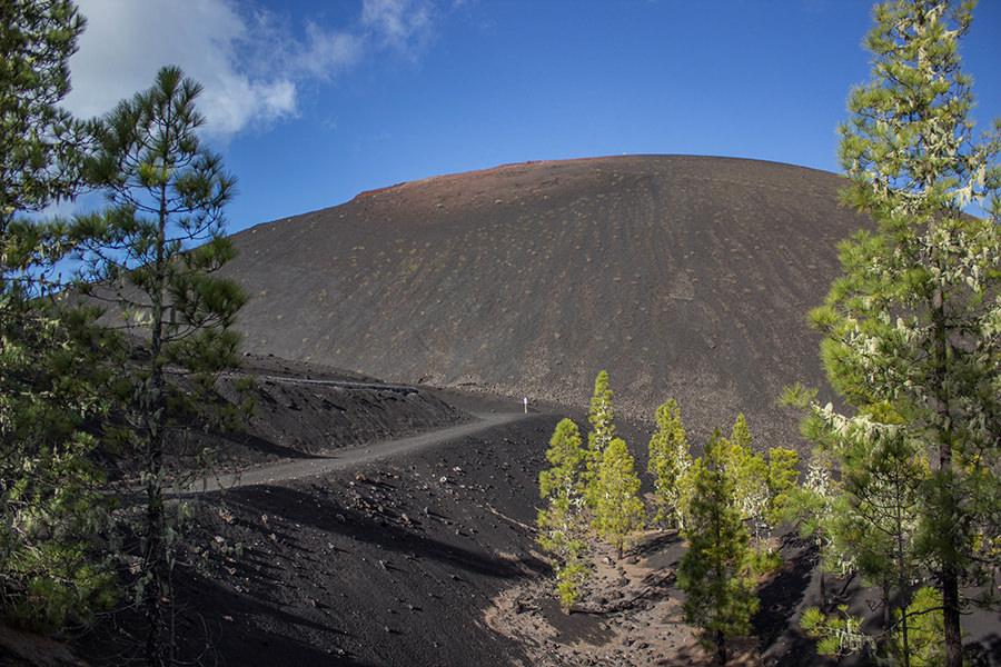 a-tasty-hike-wanderung-arenas-negras-teneriffa-vulkan-mit-wanderweg