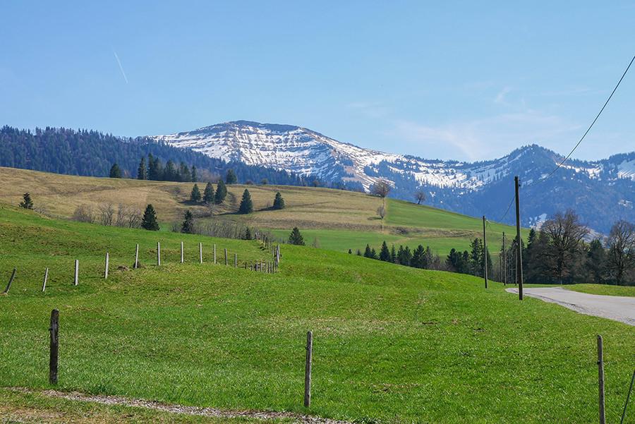 Wandern am Huendle - Bergpanorama
