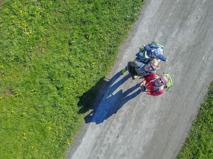 Wandern in Teufelskueche bei Oberguenzburg - Drohnenaufnahme