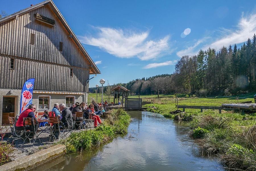 Wandern in Teufelskueche bei Oberguenzburg - Schlossmuehle Liebenthan an der Guenz