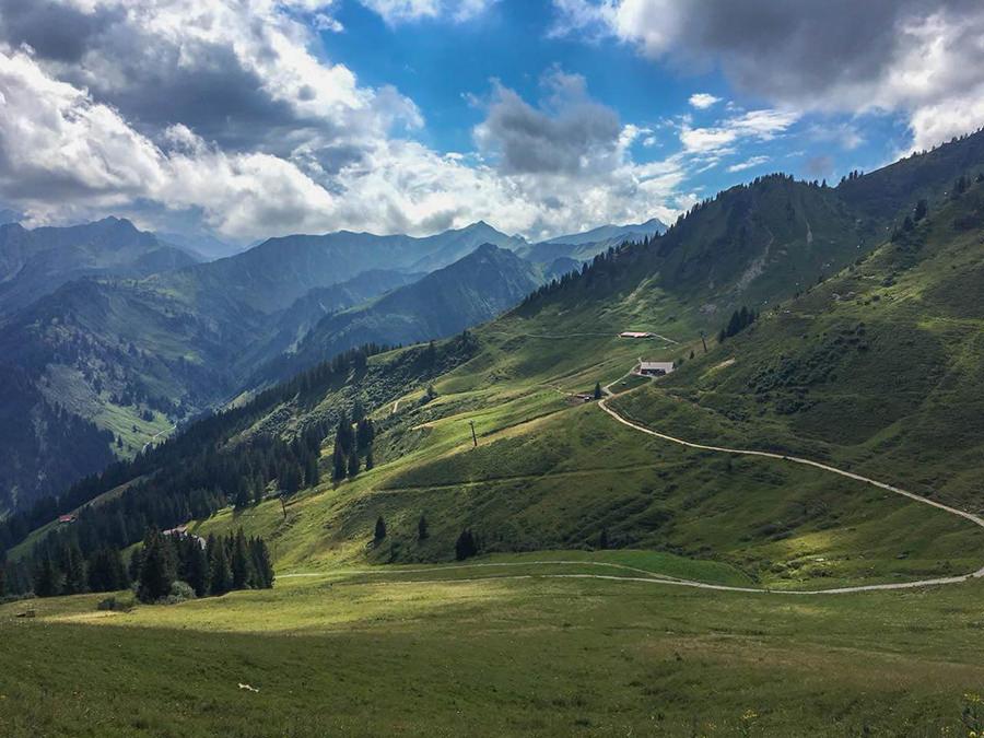 Wanderung zum Walmendinger Horn im Kleinwalsertal - Ausblick 5