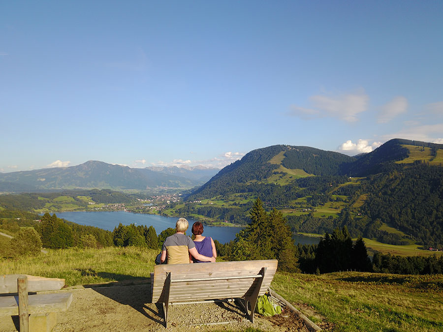After Work Wandern am Alpsee im Allgaeu Drohne