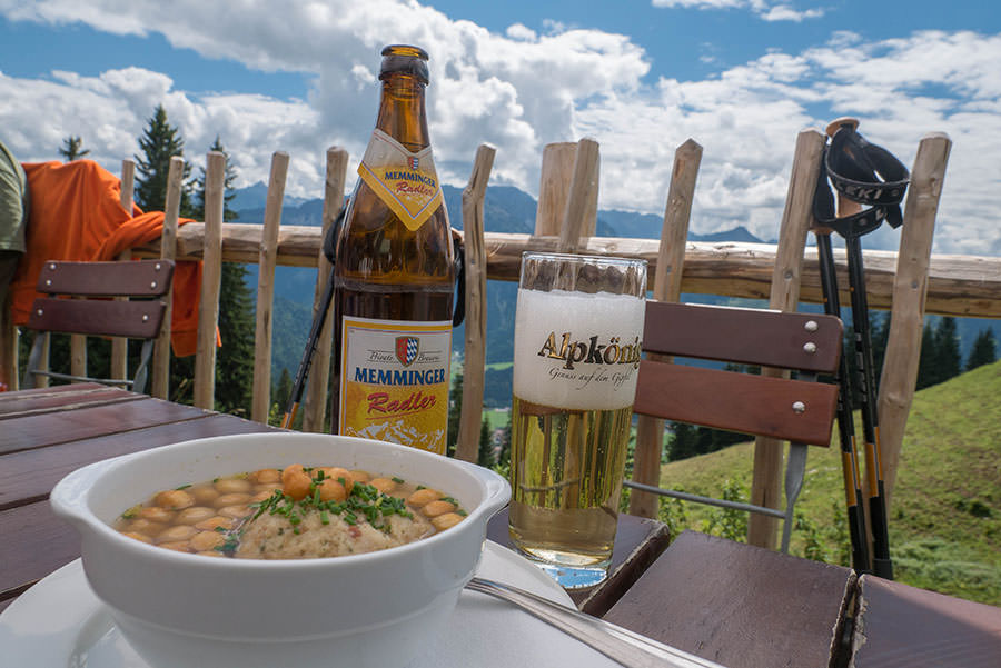 Oberjoch Wandern - Wanderung zum Spieser - Speckknoedelsuppe Hirschalpe