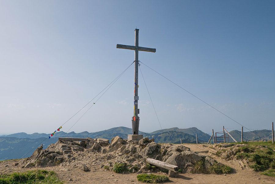 Wandern zum Riedberger Horn - Gipfelkreuz
