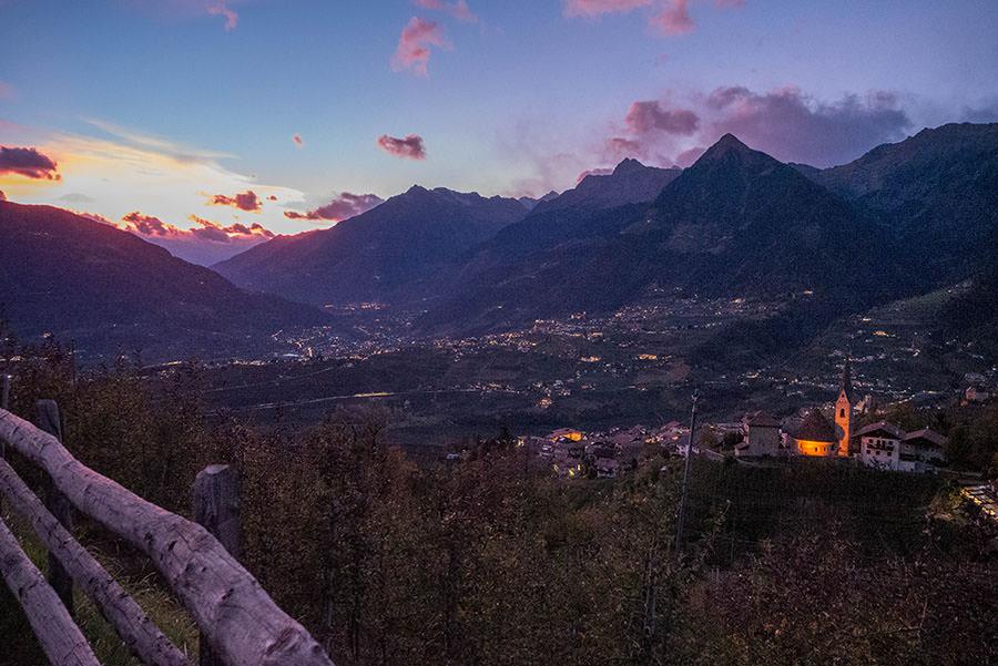 Wandern Taser in Suedtirol - Schenner Waalweg Abendrot