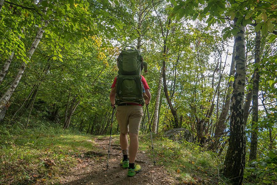 Wandern bei Peglio am Comer See - Waldwanderweg