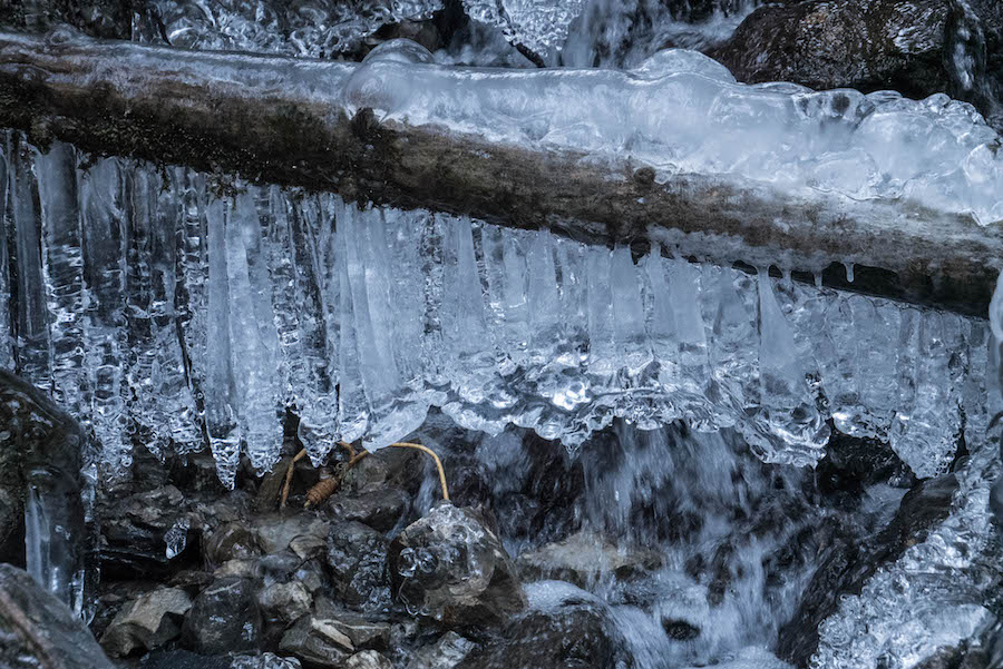 Wandern im Kleinwalsertal - Rundwanderung Baergunthuette - Winterwandern - Eis