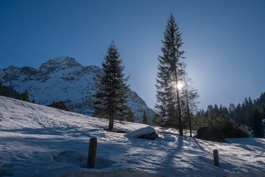 Wandern im Kleinwalsertal - Rundwanderung Baergunthuette - Winterwandern - Landschaft