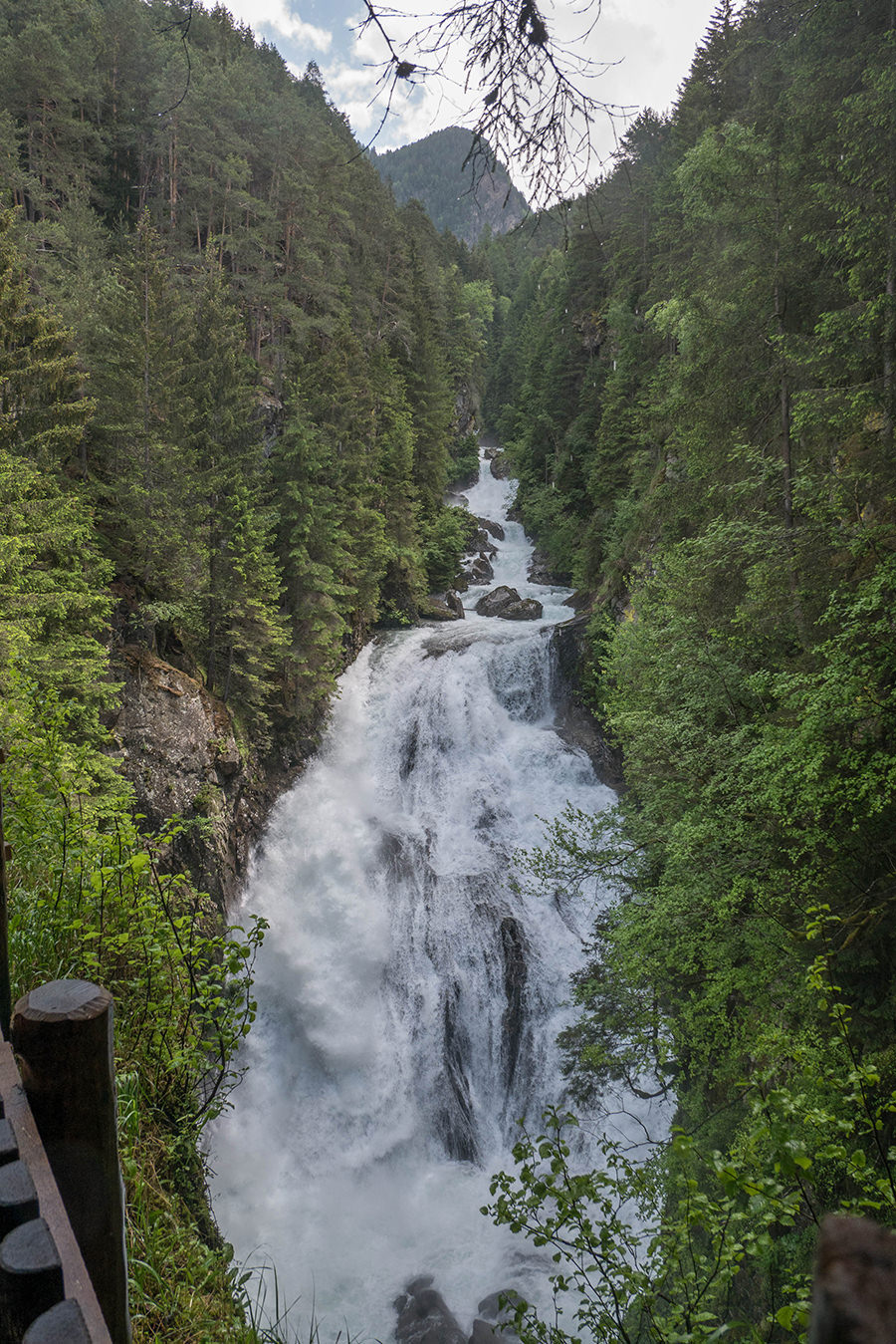 A Tasty Hike Wanderung Reinbach Wasserfaelle bei Sand in Taufers in Suedtirol - Wasserfall Nr 2