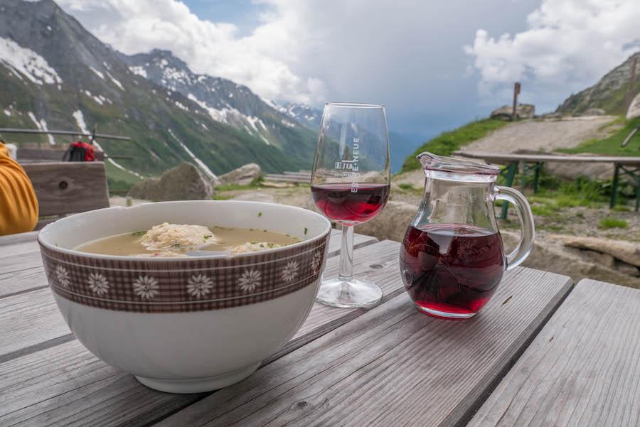A Tasty Hike - Wanderung im Ahrntal Suedtirol bei Kasern - Einkehr