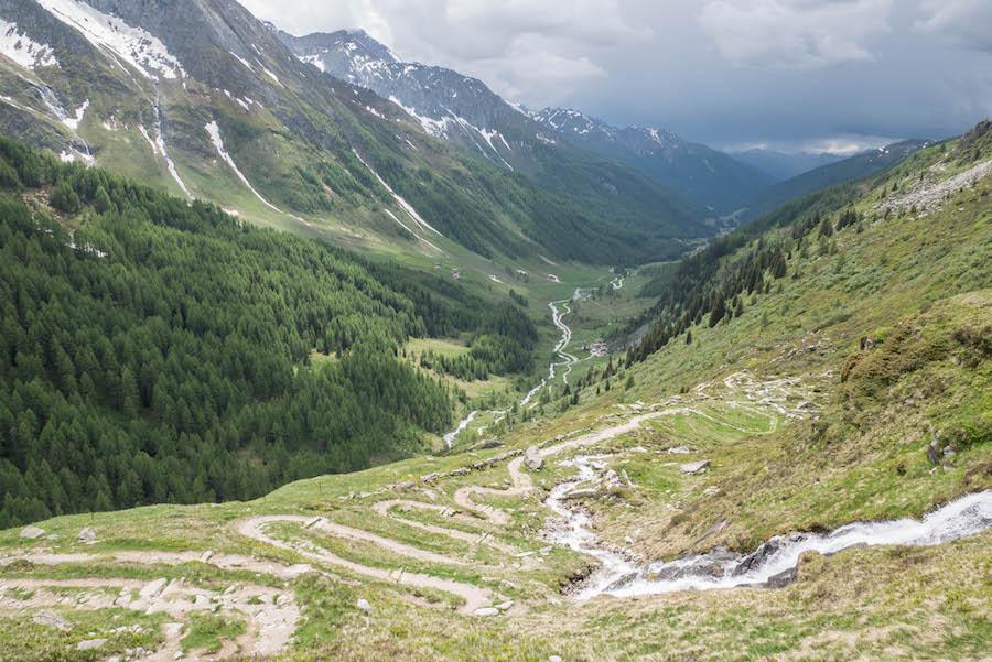 A Tasty Hike - Wanderung im Ahrntal Suedtirol bei Kasern - Rueckweg