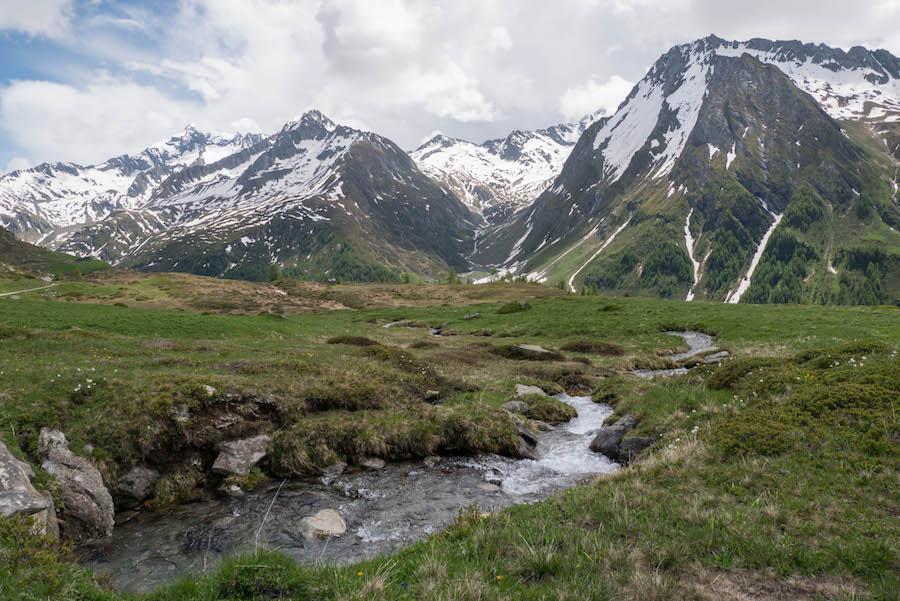 A Tasty Hike - Wanderung im Ahrntal Suedtirol bei Kasern - Schmelzwasser
