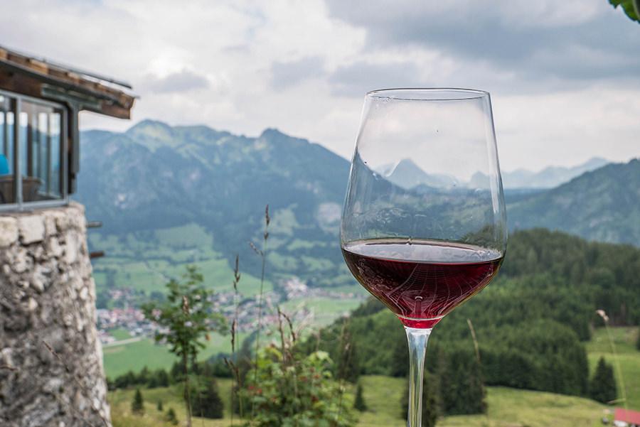 Bad Hindelang wandern - Wanderung zum Imberger Horn im Allgaeu - A Tasty Hike - Einkehr - Wein