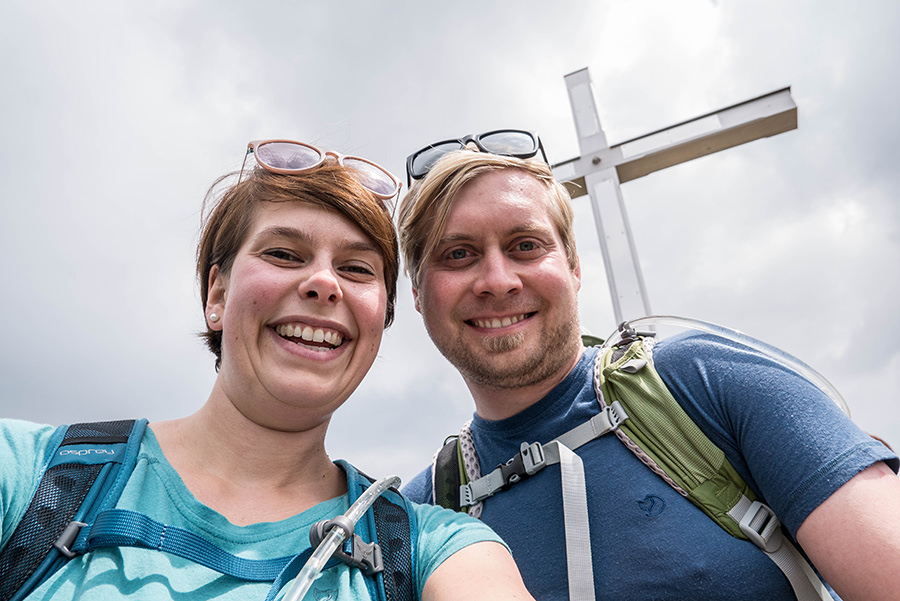 Bad Hindelang wandern - Wanderung zum Imberger Horn im Allgaeu - A Tasty Hike - Gipfelkreuz