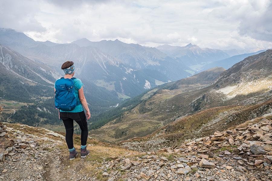 Wandern Meran 2000 - A Tasty Hike - Wanderung Kesselberg Huette - Aussicht Missensteiner Joch