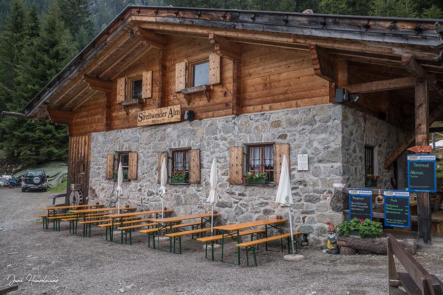 Schenna Wandern - Streitweideralm - Suedtirol - A Tasty Hike - Streitweideralm