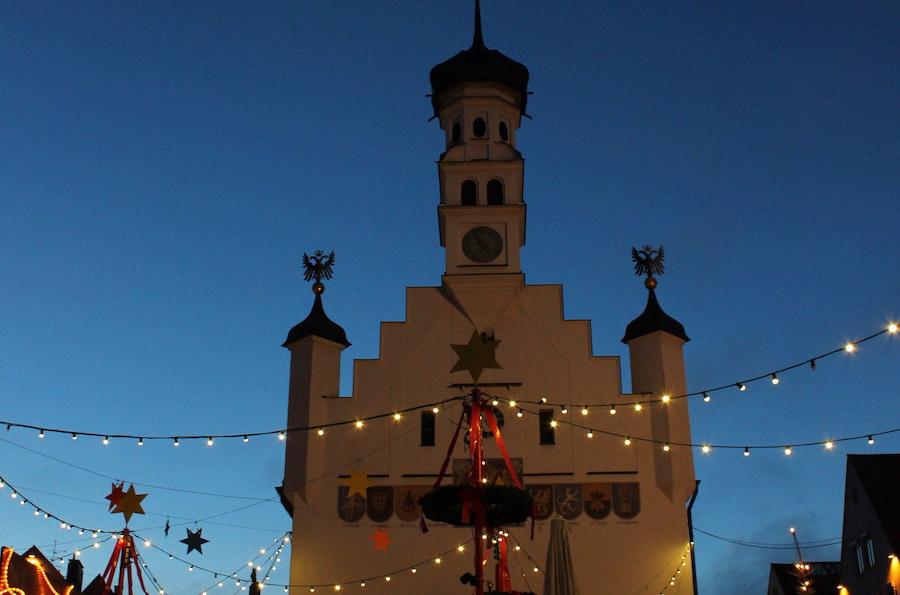 Schoenster Weihnachtsmarkt im Allgaeu - A Tasty Hike - Kempten