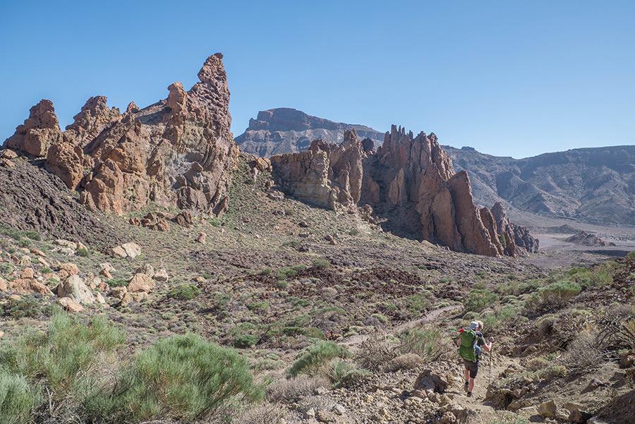 A Tasty Hike - El Teide Gipfel Teneriffa - Wanderung Roques de Garcia - Roques andere Seite