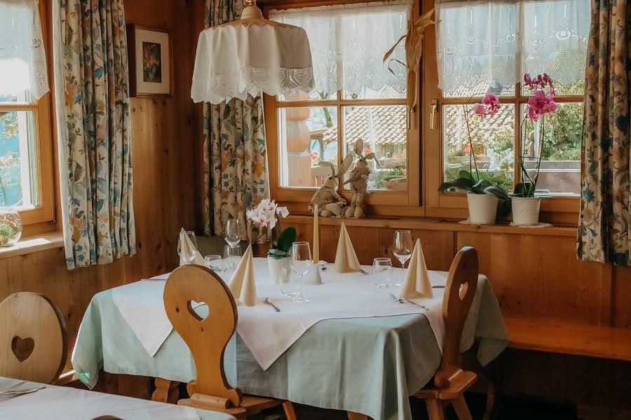 Restaurants in Südtirol - Hof Oberlegar Stube
