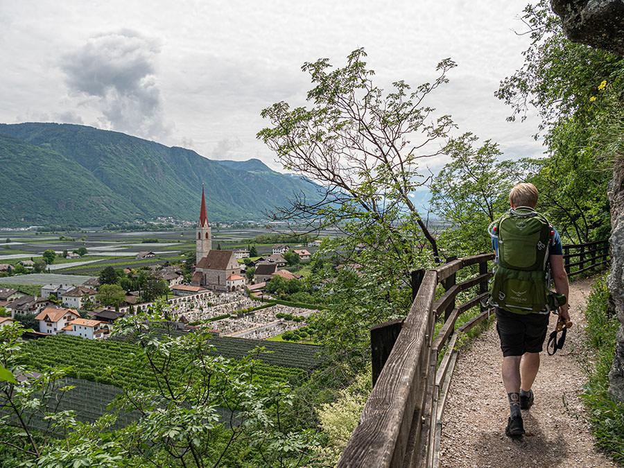 A Tasty Hike - Waalweg Lana - Suedtirol - Brandiswaalweg - Christian
