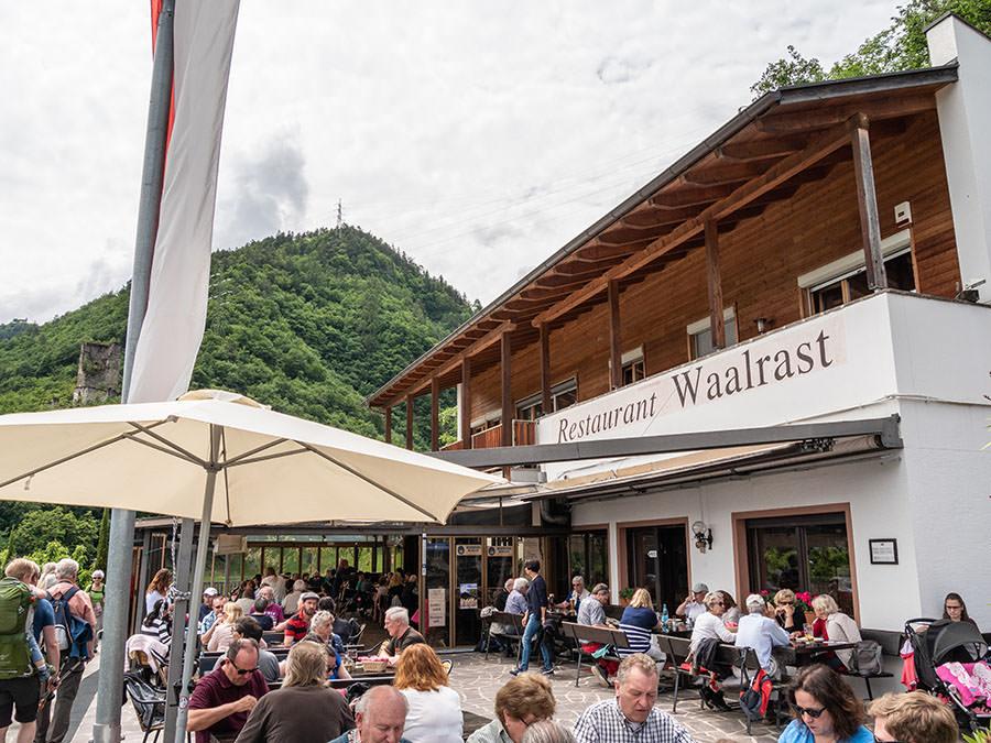 A Tasty Hike - Waalweg Lana - Suedtirol - Brandiswaalweg - Waalrast