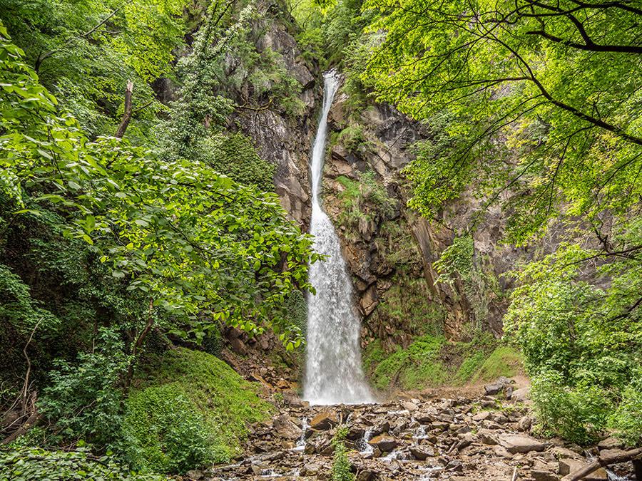 A Tasty Hike - Waalweg Lana - Suedtirol - Brandiswaalweg - Wasserfall