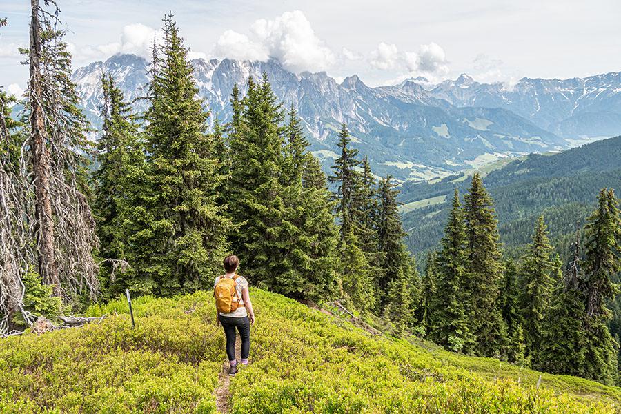 Saalbach Hinterglemm Sommer - Wanderung vom Kohlmaiskopf zur Wildenkarhuette - A Tasty Hike - Jana Aussicht
