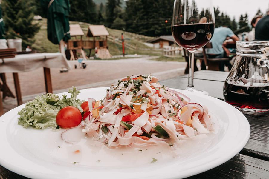 A Tasty Hike - Saalbach Hinterglemm mit Kindern - Talschluss - Wurstsalat