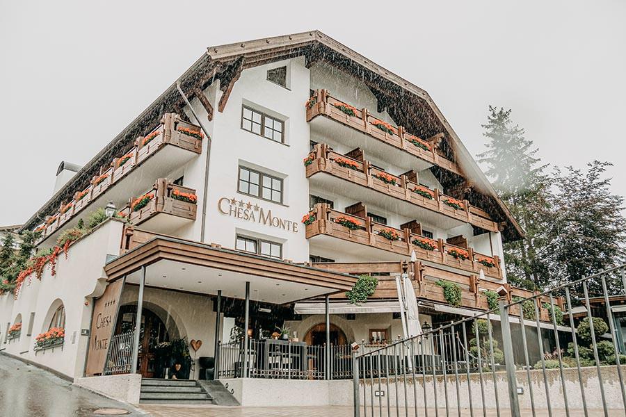 A Tasty Hike - Hotel in Fiss - Hotel Chesa Monte Aussen