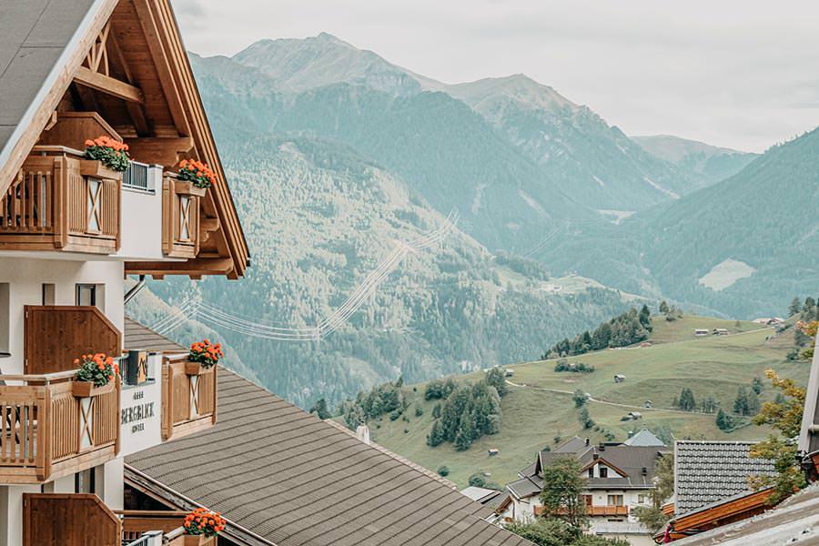A Tasty Hike - Hotel in Fiss - Hotel Chesa Monte Aussicht