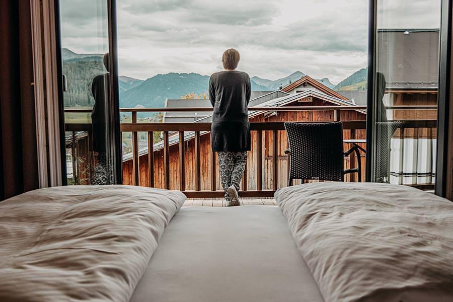 A Tasty Hike - Hotel in Fiss - Hotel Chesa Monte Wohlfuehlsuite mit Aussicht