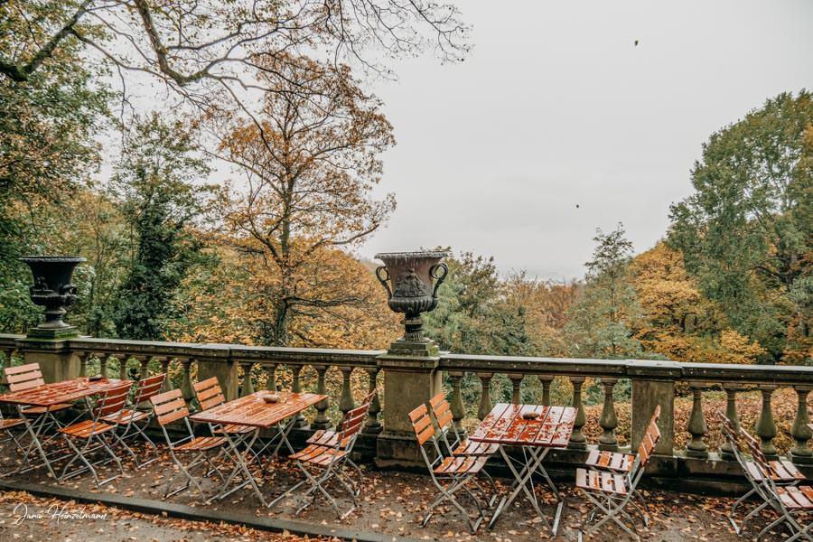 Tagesausfluege Hessen - Secret Places in Hessen - Odenwald - Schloss Heiligenberg - Terrasse