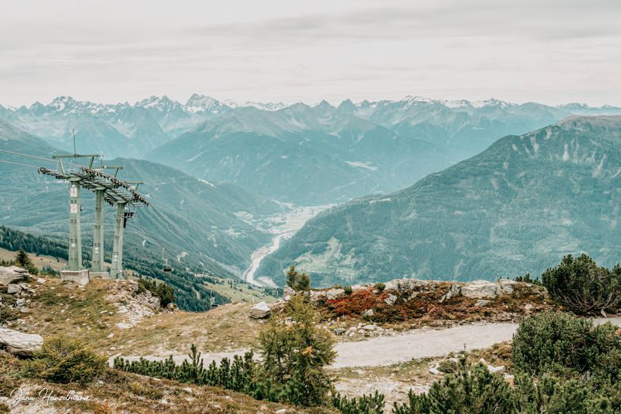 Zammer Alm Genusswanderung bei Zams in Tirol - Aussicht Venet